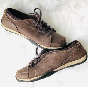L.L. Bean Leather Cushioned Lace Up Sneakers, 8
